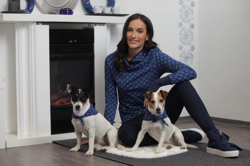 Kutyák kék kendőben